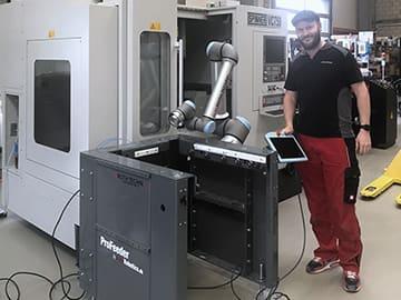 Spinner AG - Markus Roth, Inhaber und CEO der Roth Technik GmbH, mit EasyRobotics ProFeeder