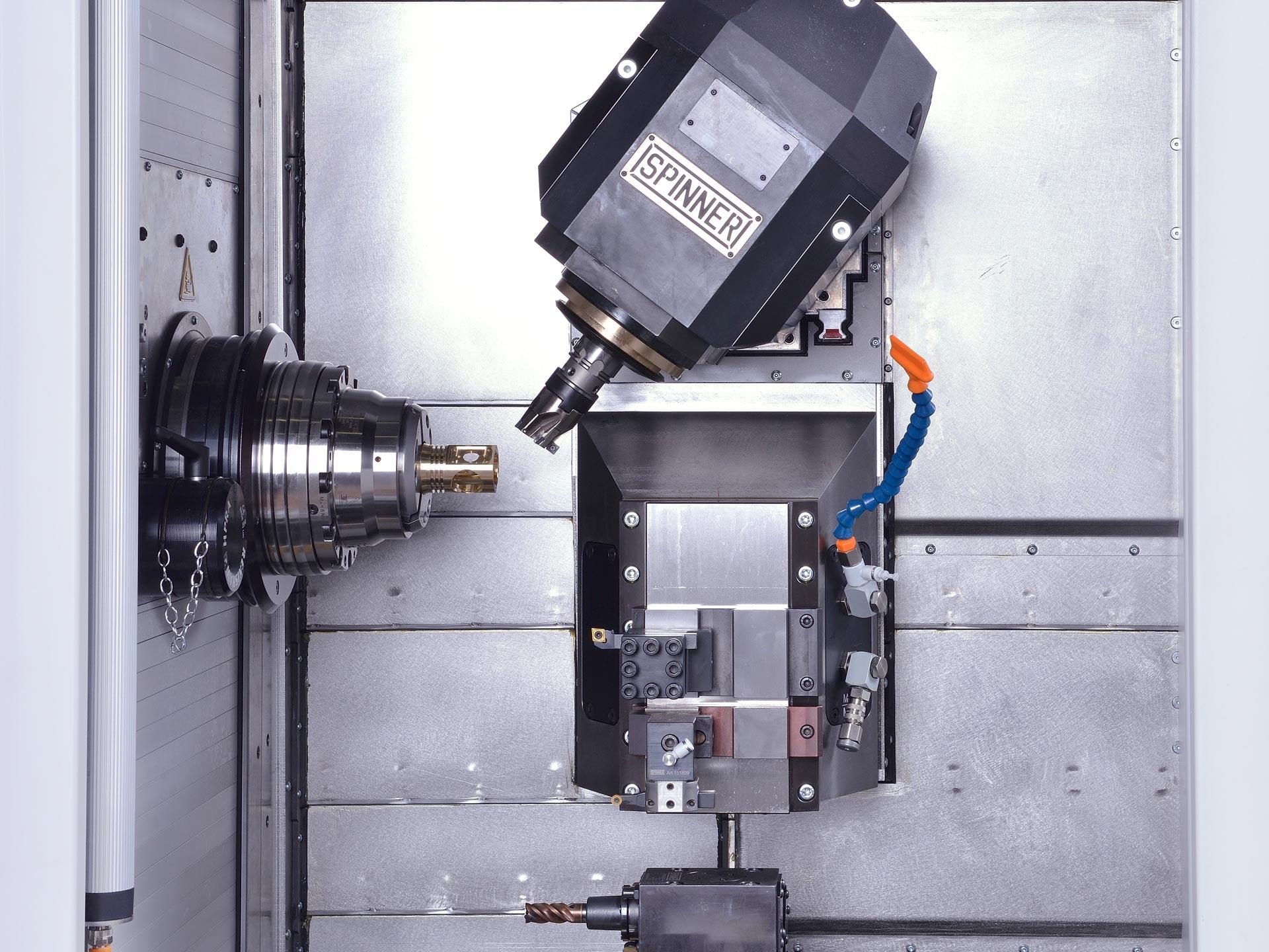 Spinner AG - Ultrapräzisionszentrum Microturn LTB - Schwenkspindel und Servo-Revolver