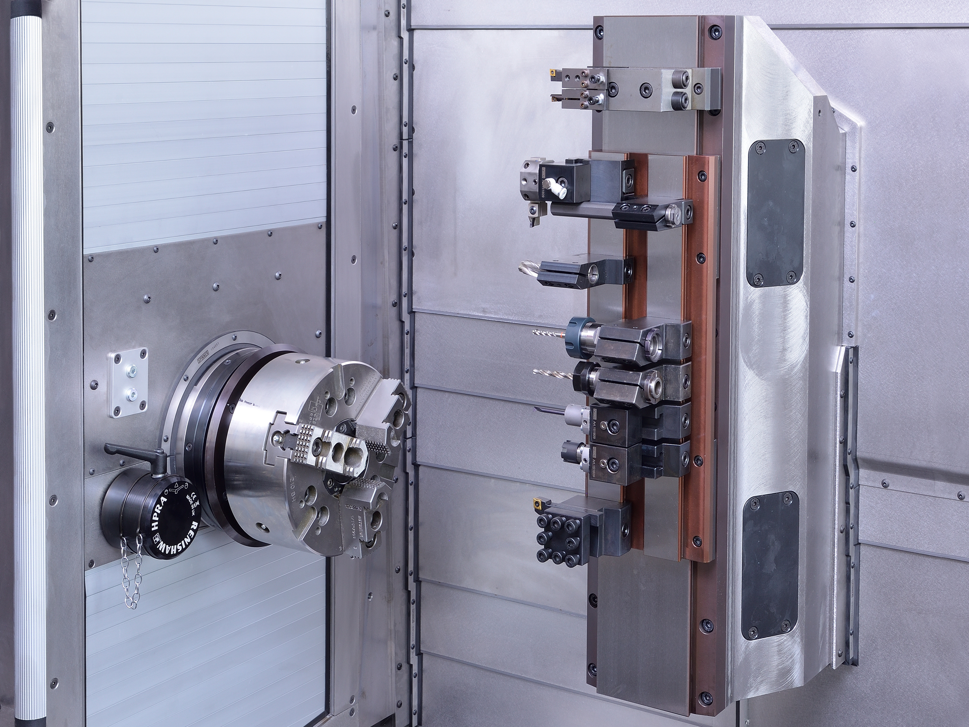 Spinner AG - Ultrapräzisionszentrum Microturn - linearer Werkzeugschlitten
