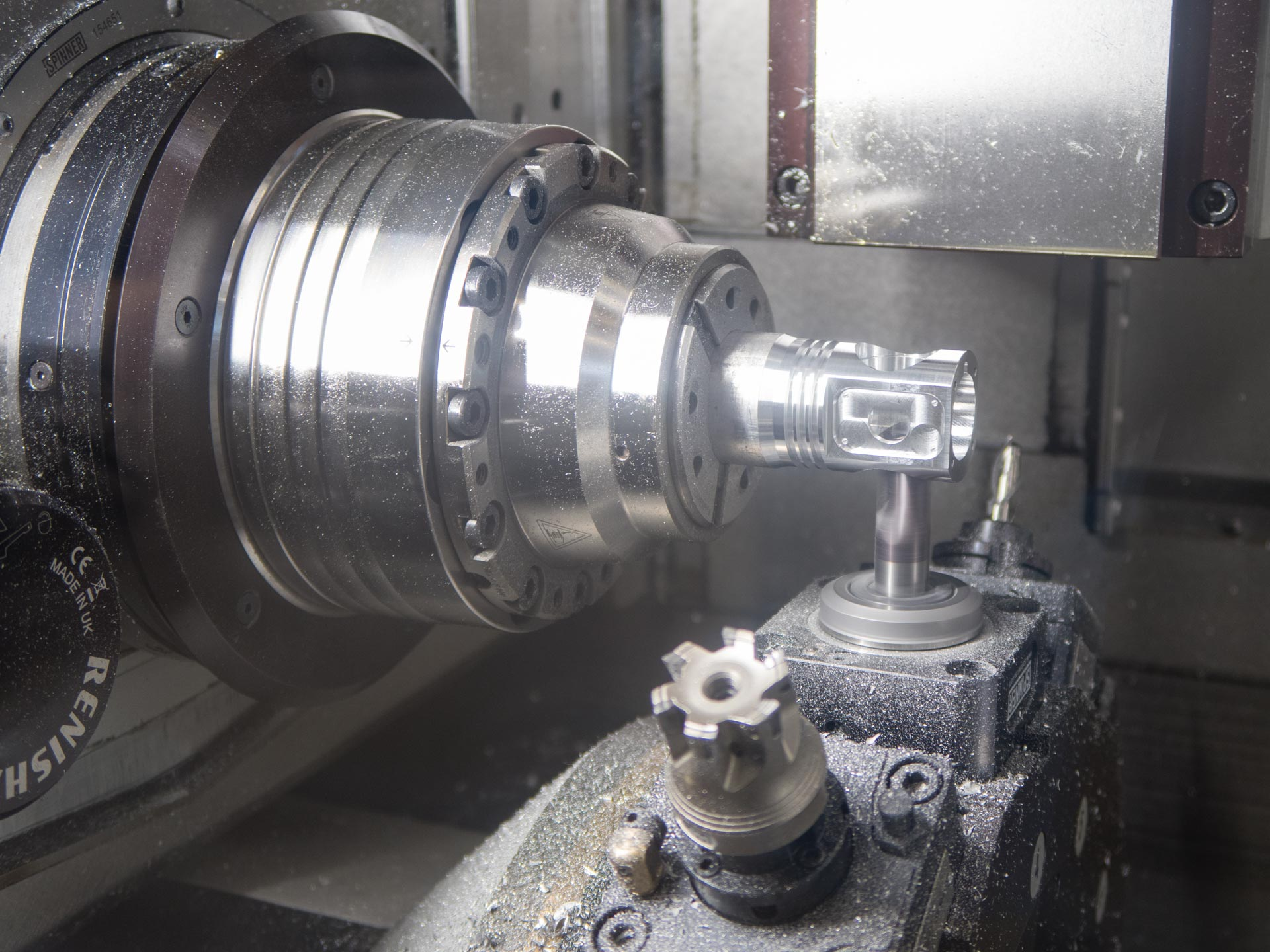 Spinner AG - Ultrapräzisionszentrum Microturn LT - Bearbeitung