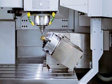 Spinner AG - Seitlicher Aufsatztisch Fabrikat Hofmann für 5-Achs-Bearbeitung in Spinner VC850 (Detailansicht)
