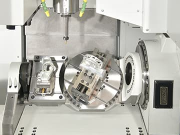 Spinner AG - Voll integrierter 5-Achs-Tisch Fabrikat Spinner in VC850 mit zusätzlichem Starrtisch